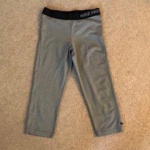 size: medium Nike grey cropped leggings